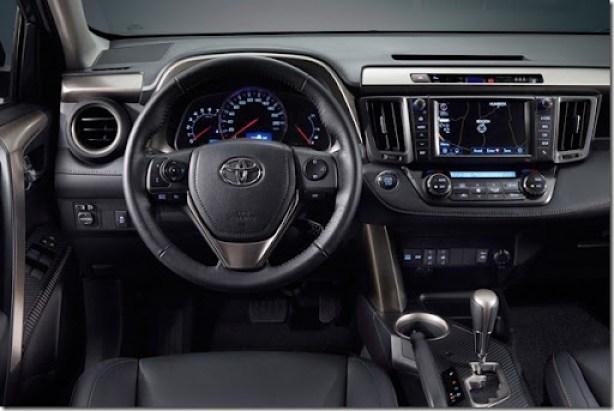 2013-Toyota-RAV4-SUV-14[2]
