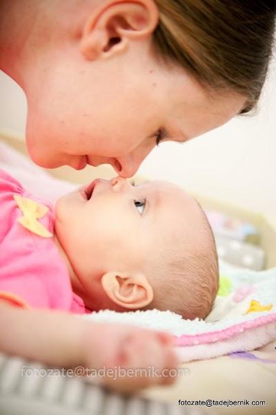 fotozate@tadejbernik-fotografiranje-nosecnic-dojenckov-malckov-druzin-mama-oce-dojencek-fotozate-druzinsko-fotografiranje-pregnancy-maternity-baby-photography-mom-dad-family (4).JPG