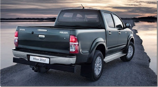 2012-Toyota-Hilux-4