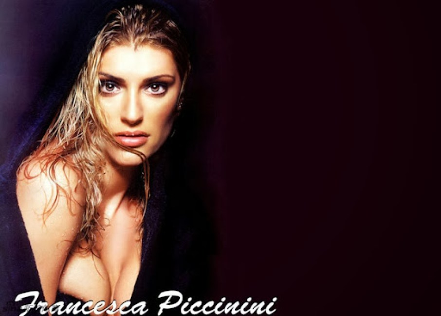 Francesca Piccinini Hot HD Wallpaper 2012 01