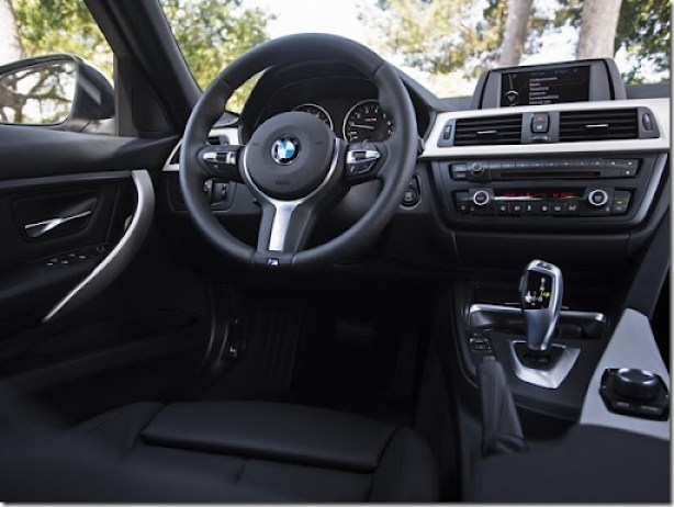 bmw_320i_sedan_us-spec_17_thumb