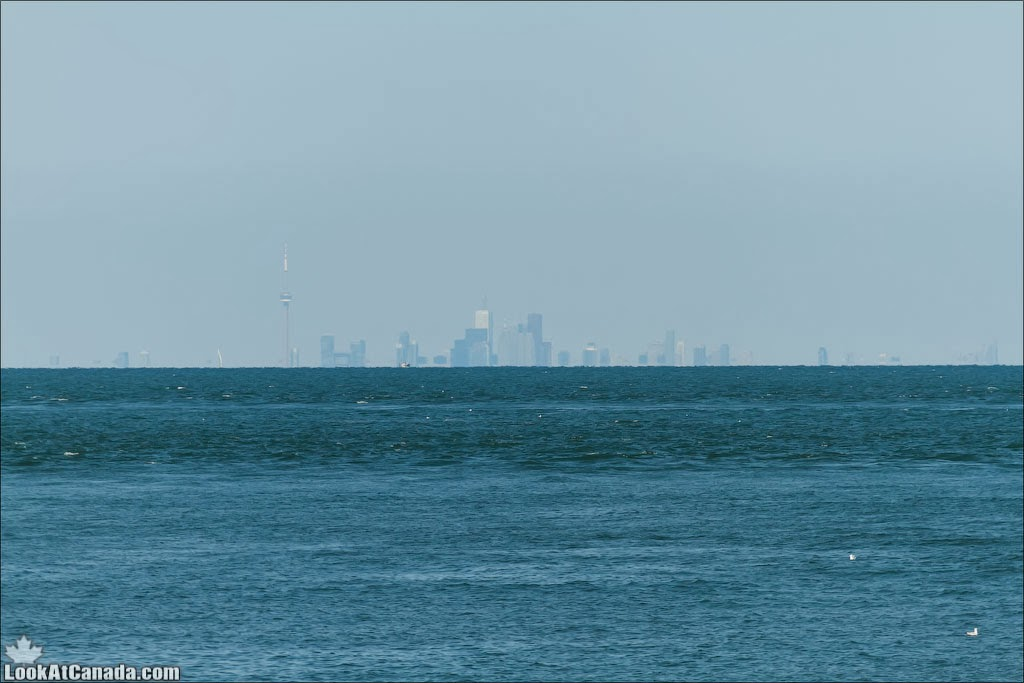 LookAtIsrael.com: Фото-блог о путешествиях по Израилю. Тель Авив, Иерусалим, Хайфа Не смотря на то что отсюда до Торонто почти 100 километров, его все равно видно (хорошим зумом)