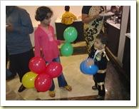 गुब्बारे लगते प्यारे