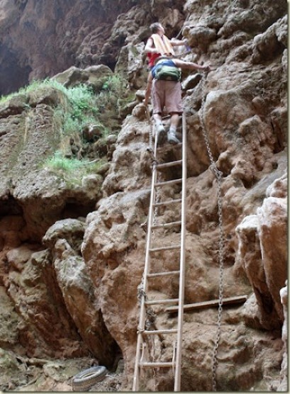 09 People going up ladders from base of Mooney Falls Havasupai Indian Reservation AZ (752x1024)