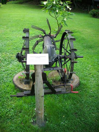 Konna kopaczka do ziemniaków - wystawa maszyn rolniczych w oliwskim zoo