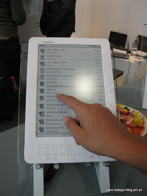 E-czytnik z ekranem dotykowym