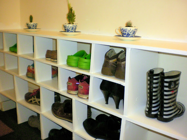 Project Seven: Well Who'd Have Thought it, I Just Made a Shoe Cubby! (1/6)