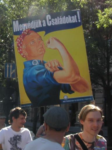 2010, Budapest Pride, buzi, felvonulás, fényképek, gay, képek, lesbians, leszbikusok,  LGBT, meleg, Meleg Méltóság Menete, photos, pictures, tüntetés,   stockphoto, parádé, Semlyén Zsolt, Semjén Zsolt