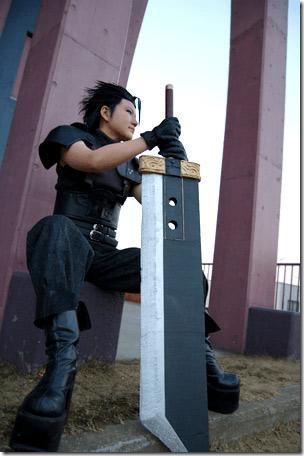 crisis core: final fantasy vii cosplay - zack fair