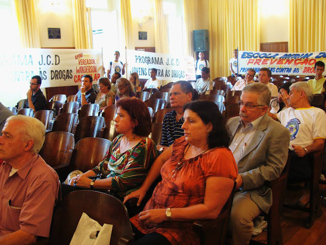 A Audiência Pública reuniu na Câmara educadores, estudantes e demais cidadãos para debater o assunto