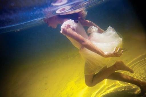 girls_and_water_25.jpg