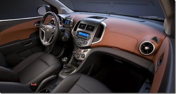 Chevrolet-Sonic_Sedan_2012_1600x1200_wallpaper_07