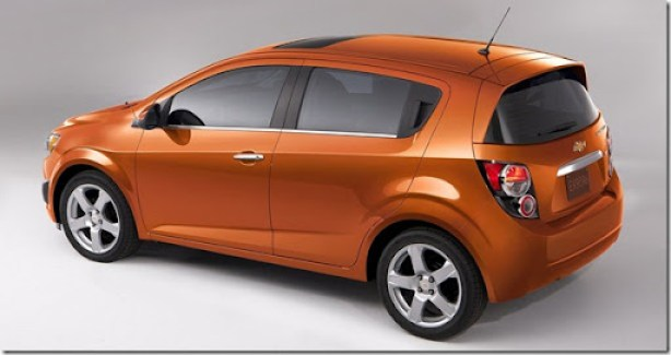 Chevrolet-Sonic_2012_1600x1200_wallpaper_06