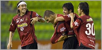 Dario Figueroa y José Manuel Rey en el compromiso entre el Caracas FC y Llaneros de Guanare en el Estadio Ol??mpico de la UCV.  04-02-09 (Nelson Pulido)