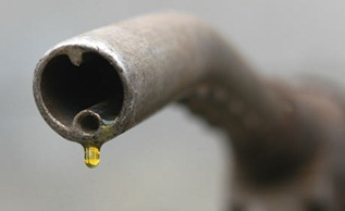 A-petrol-pump-001