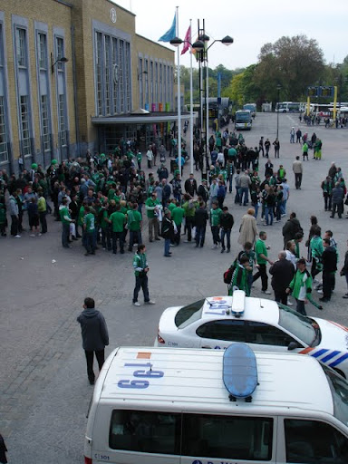 Cercle Brugge supporters aan station van Brugge