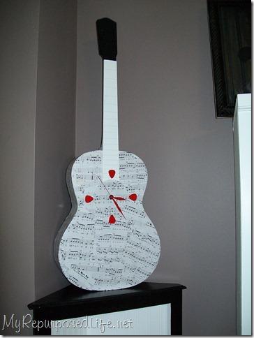guitar clock with picks