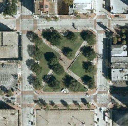 MarketSqParkAerialGoogle.jpg
