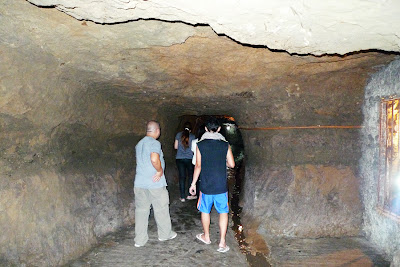 Bloggers in the Japanese Tunnel
