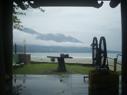 Vista do quiosque onde acampei em Barequeçaba