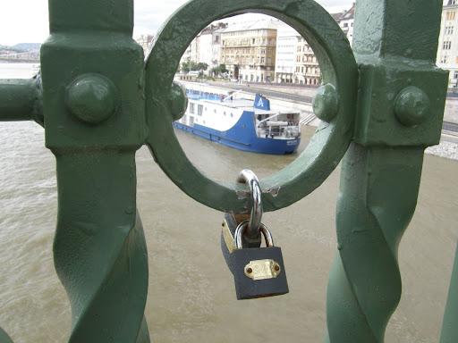 Budapest,  blog,  Szabadság híd, lakat,  szív hangja, romantika