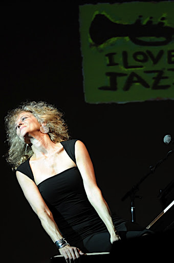 Show da pianista Judy Carmichael e do Guitarrista James Cirillo no Festival I Love Jazz, no Teatro do Memorial JK em Brasília.