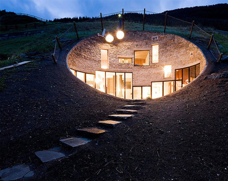 Desain Rumah Bawah Tanah Yang Menakjubkan