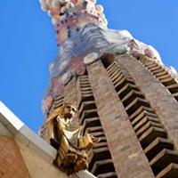Sagrada Familia en Barcelona Detalle-de-la-cruz-sagrada-familia