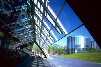 norman-foster-edificio-Business-Promotion-Centre-Duisburg-Germany-arquitectura-contemporanea