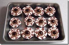 eyeball cakes 1