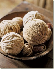 balls-yarn-HTOURS1005-de