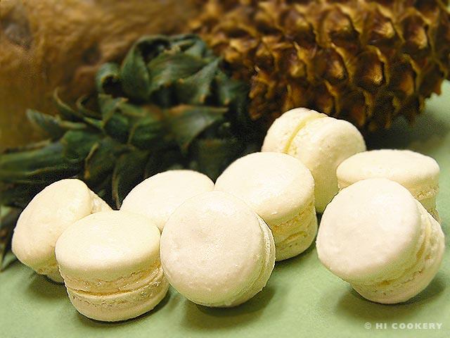 Pina Colada Macarons