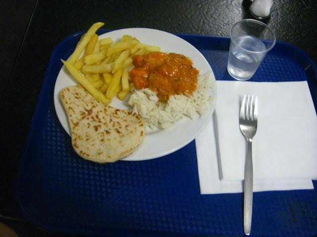 stasera il menu propone Patatine fiappe, riso con salsa vegetable adatta a palati indiani/cinesi e piadina a forma di sella