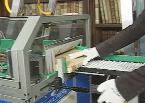 *DEPULVERA: Book Cleaning Machine不僅能幫助書本的保存,更能照顧讀者的健康! 5
