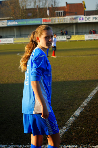 Nina Van Coillie