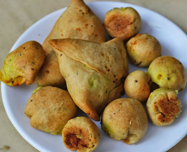 Baked Samosa Bites Recipe | How to Bake Samosas |Healthy Snacks | How to bake a Samosa Recipe | Written by Kavitha Ramaswamy of www.Foodomania.com
