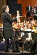 Gustavo Dudamel conducted the Bolívars in the performance of Mahler's Symphony of a Thousand.