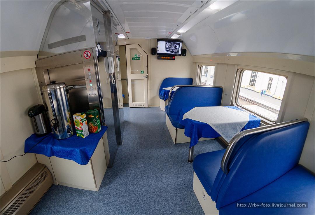 фотографии вагона двухэтажного поезда раздевалки
