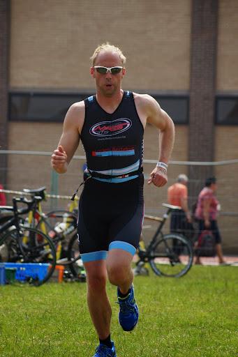 Steven Deburghgraeve - 1/8e triatlon Roeselare - 1 juni 2014