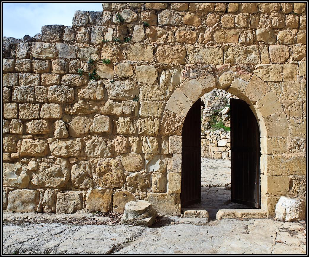 Крепость Эйн Хемед