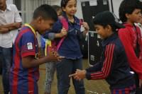 Los juegos no pueden faltar entre los pequeños músicos, quienes después del ensayo disfrutan de momentos de recreación y relax. La energía que derrochan  estos seleccionados de la Sinfónica Nacional Infantil de Venezuela, se percibe hasta en los más mínimos detalles.
