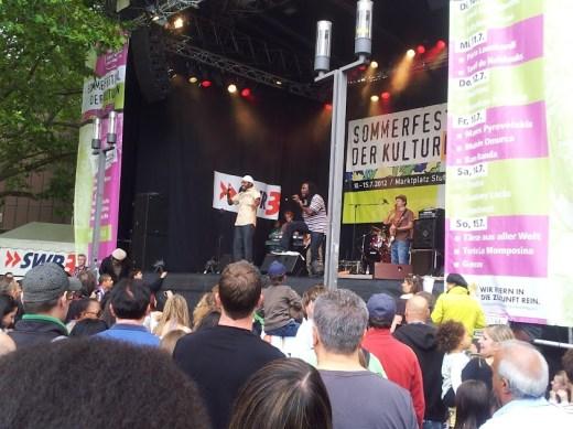 Bild vom Reggae-Rebel Anthony Locks & Royal Commando bei seinem Auftritt auf dem Sommerfestival der Kulturen
