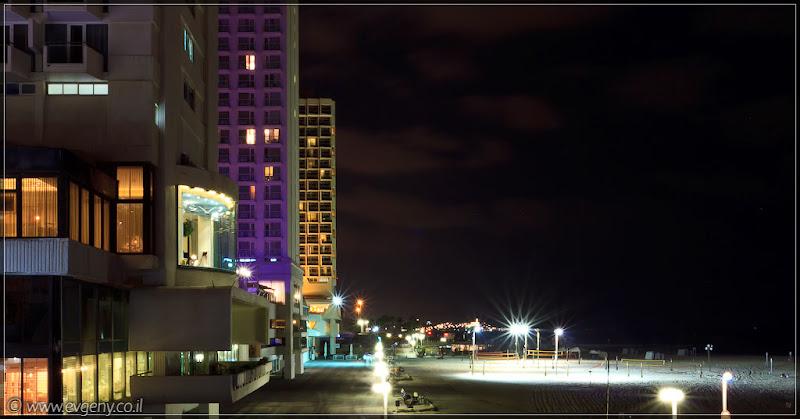 Одно фото / Тель Авив, ночные пляжи