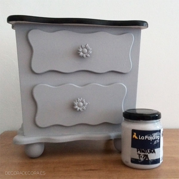 Decorar un mueble con cajones con pintura chalk paint