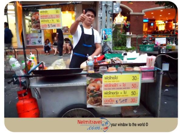 Khaosan Road,Bangkok Khaosan Road,Photos of Khaosan Road,Street vendors in Khaosan Road