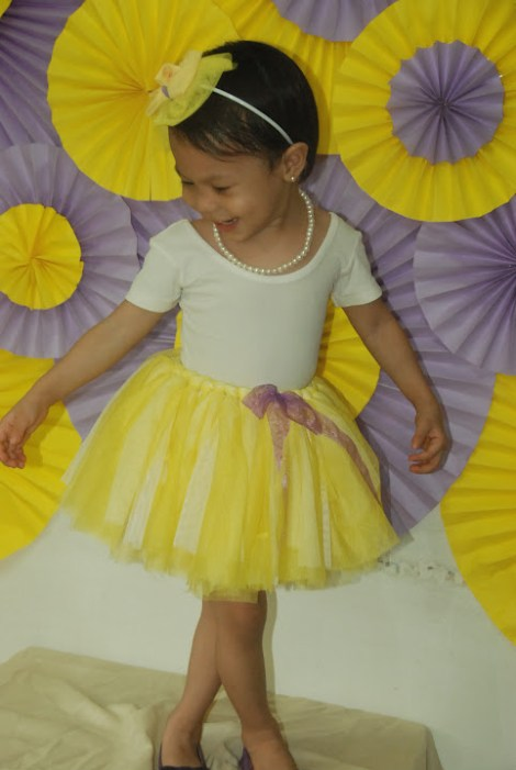 0cdf4838f460 Creating A No Sew Tutu For A Baby Girl - Mommy Pehpot