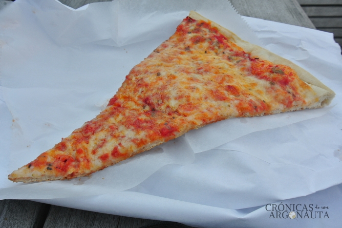 Viajar a Nueva York y comer una pizza