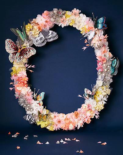 Flores de papel hechas a mano.