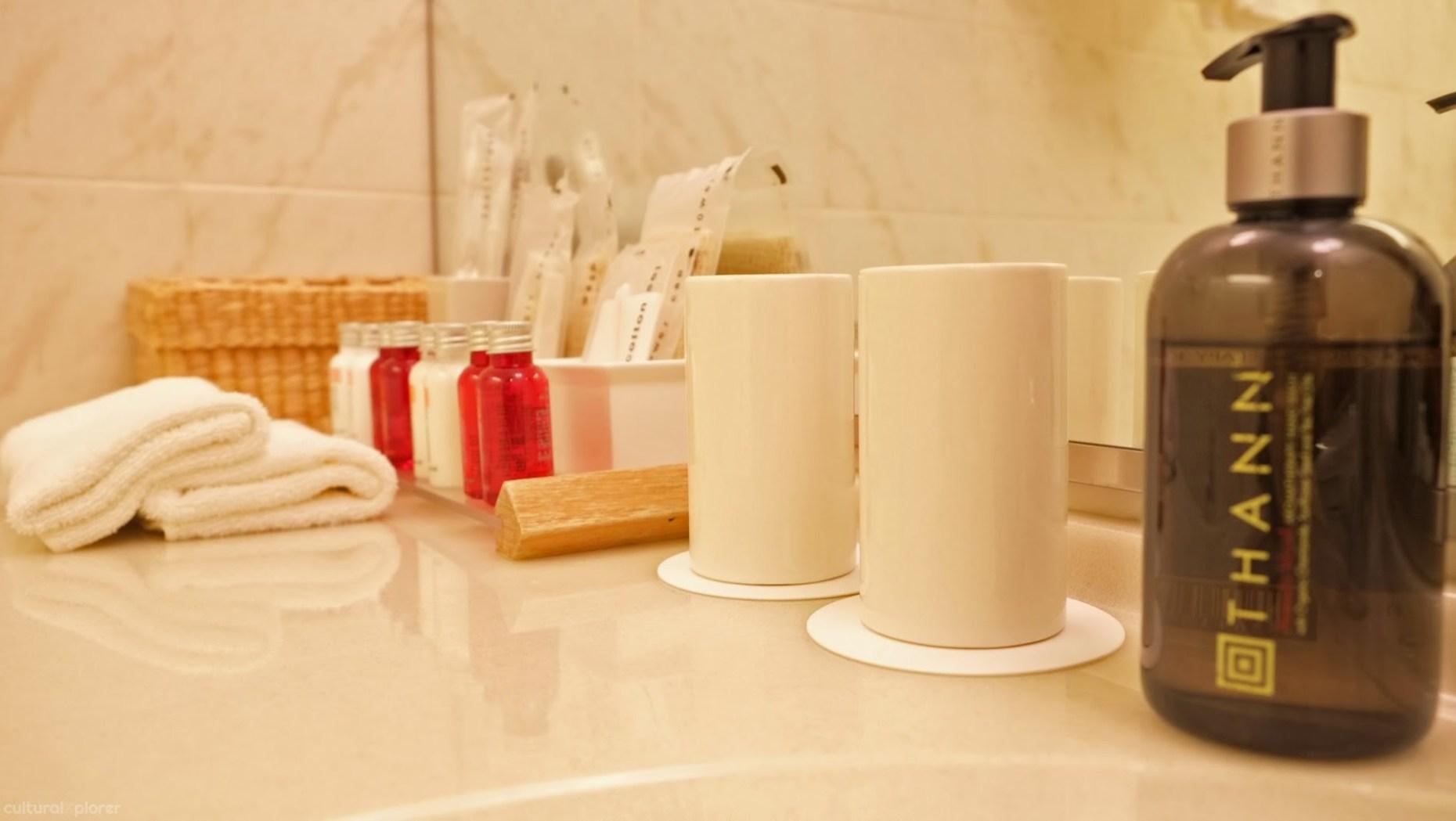 Park Hotel Tokyo Bathroom