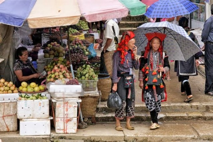 shopping in sapa, hilltribes in sapa, what to do in sapa, sapa attractions